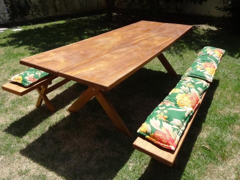mesa com madeira para jardim