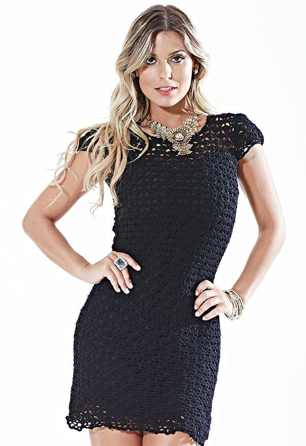 vestido de croche curto preto