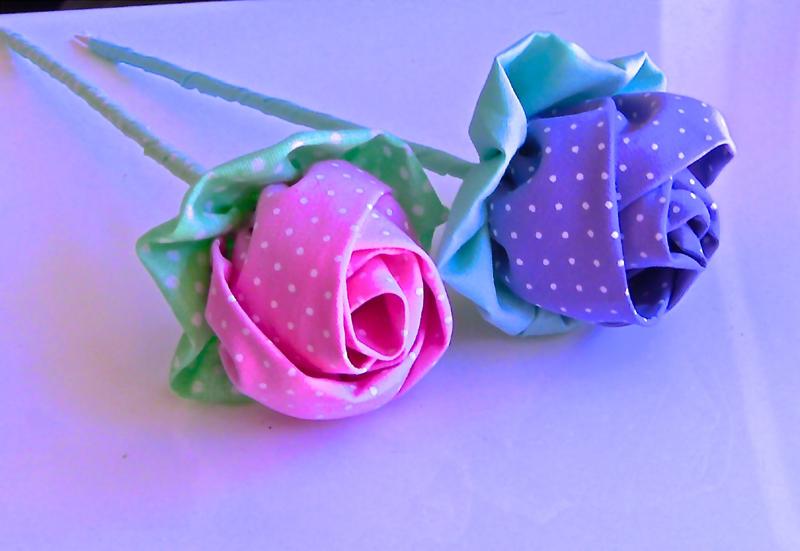 flor com tecido rosa