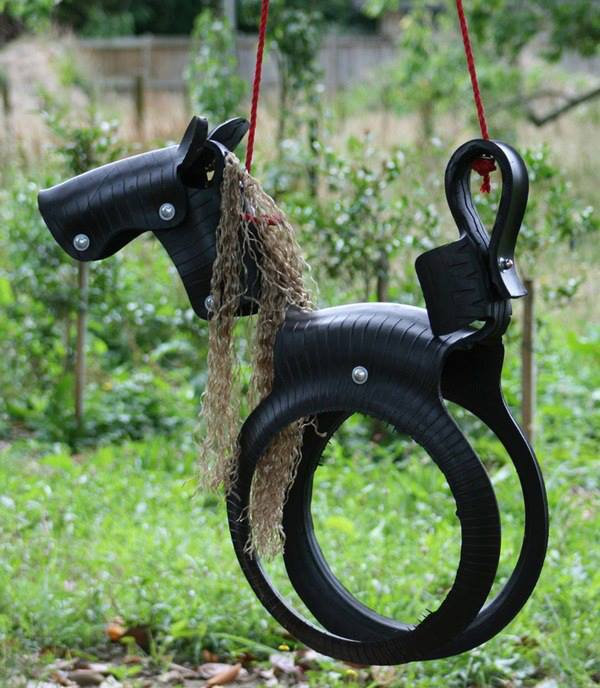 reciclagem com pneus cavalo