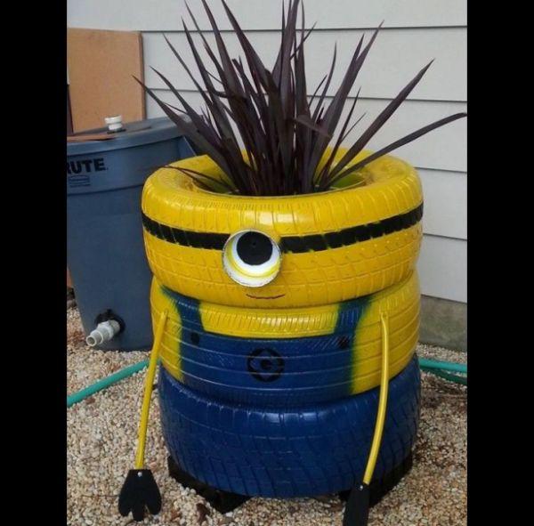 reciclagem com pneus minion