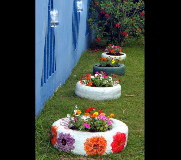 pneus pintados para jardim com flor