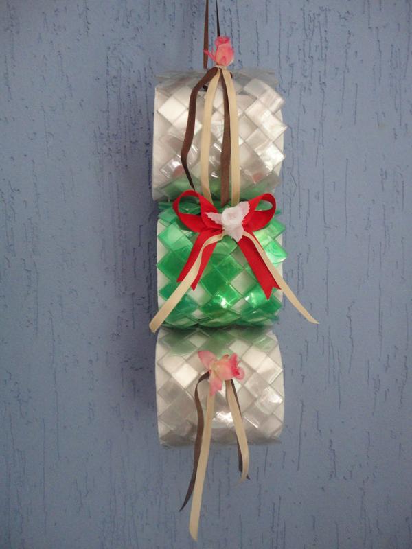 porta papel higiênico de garrafa pet com laço