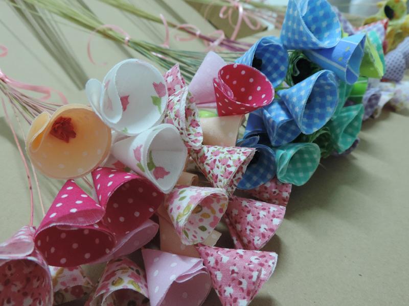 flor com tecido simples