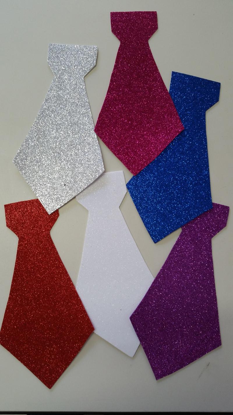 gravata em EVA glitter