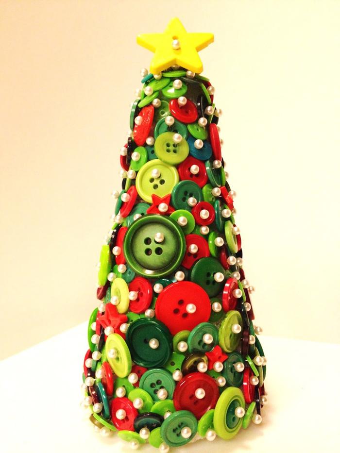 árvore natalina de botão