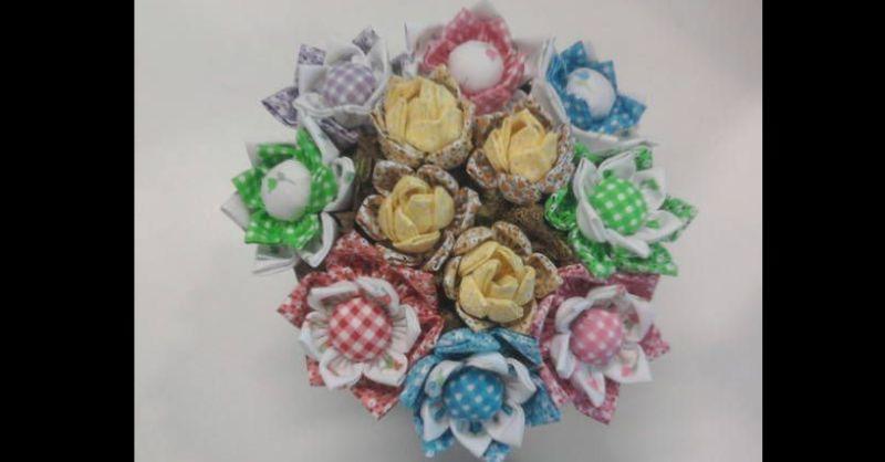 flor com tecido com petalas