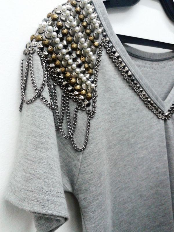customização de camisetas com pedrarias