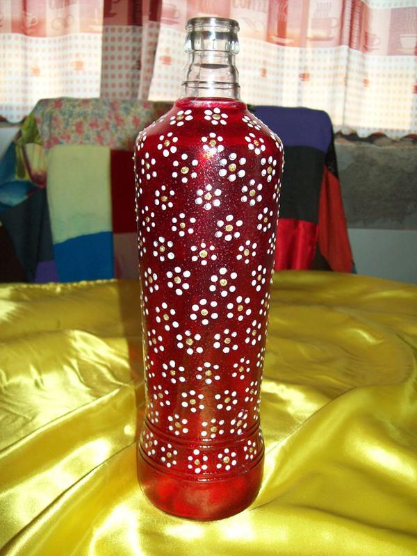 garrafas pintadas com florzinhas