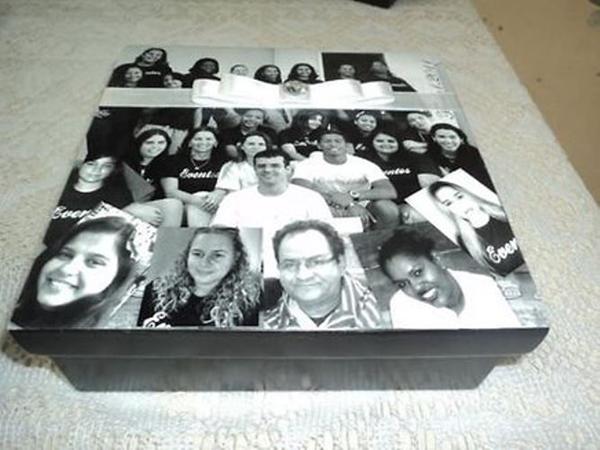 caixa  decorada com fotos com fita