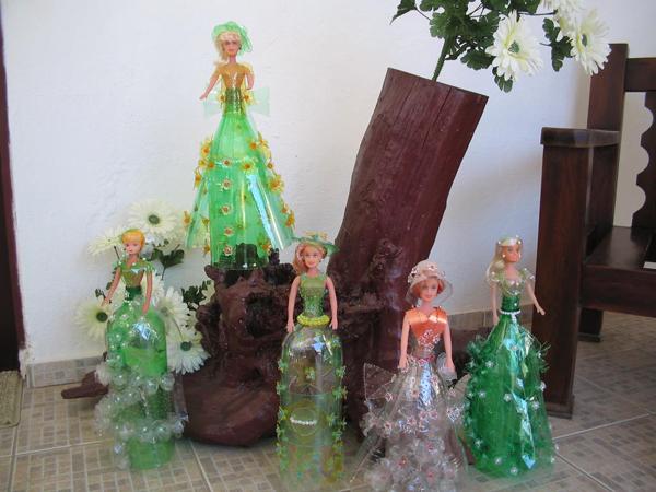 boneca de garrafa pet verde