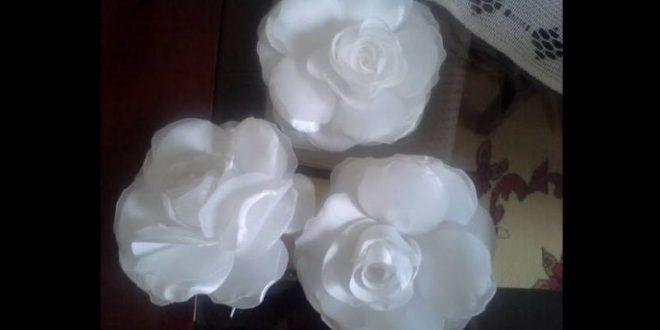 flor com tecido rosa branca
