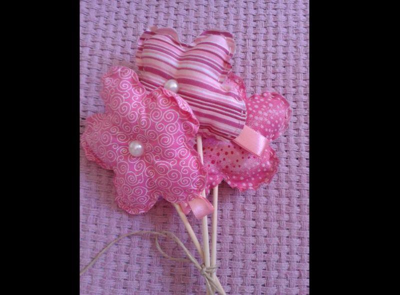 flor com tecido recheada