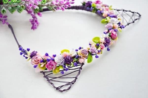 tiara de gatinho com mini flores