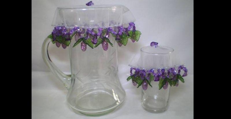 cobre jarra de uva