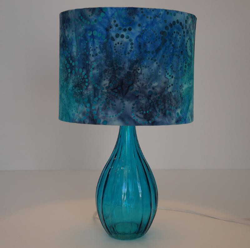 luminaria de garrafa de vidro azul