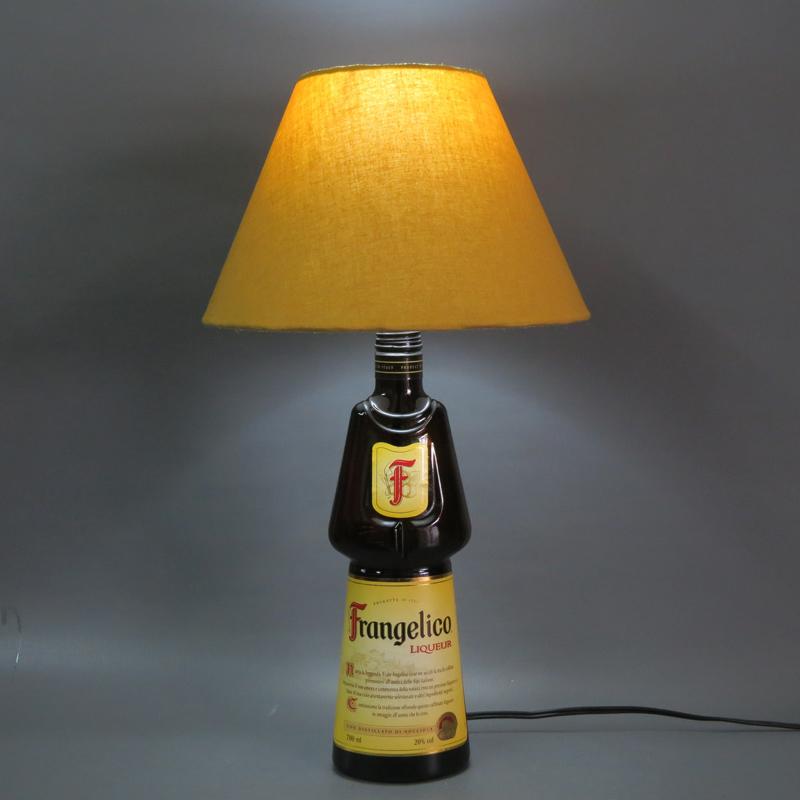 luminaria de garrafa de vidro frade