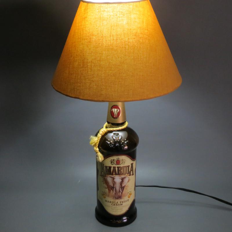 luminaria de garrafa de vidro amarula