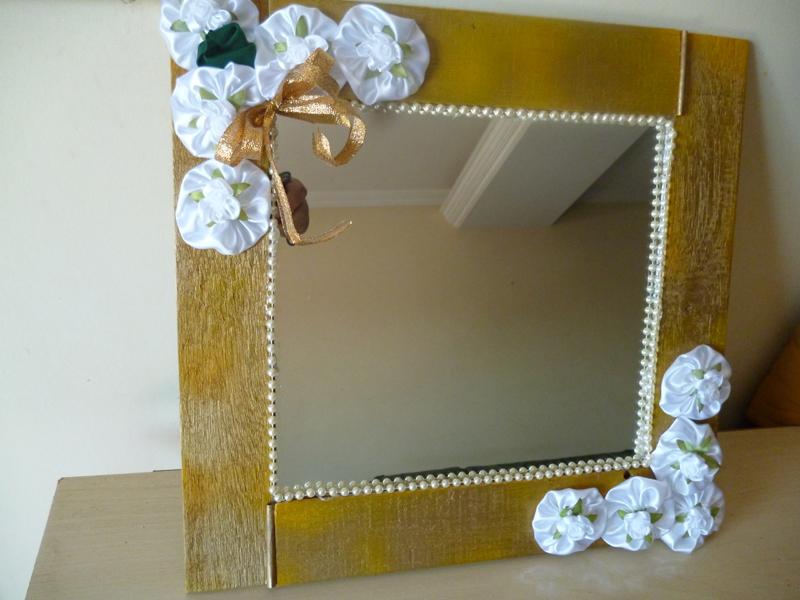 espelho decorado fuxicos
