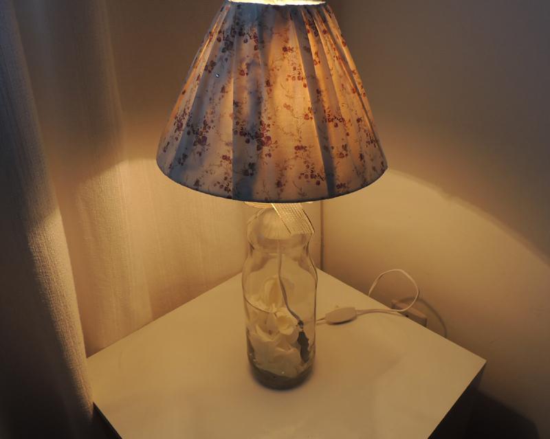 luminaria de garrafa de vidro com tecido