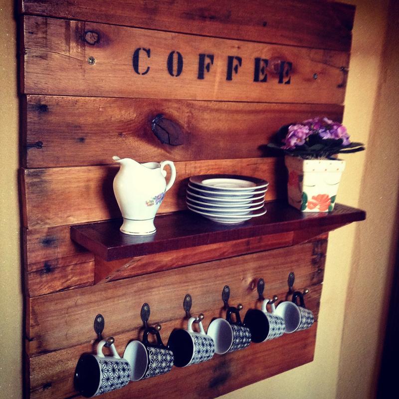 painel de pallet cafe