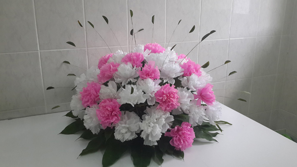 flor de crepom arranjo