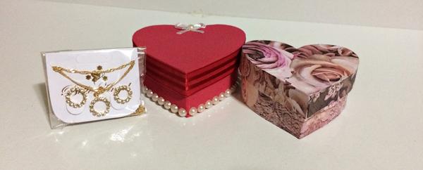 caixinha de coração de papel