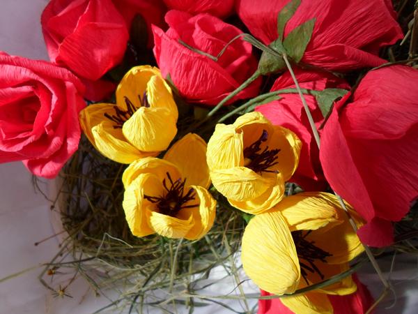 flor de crepom na cesta