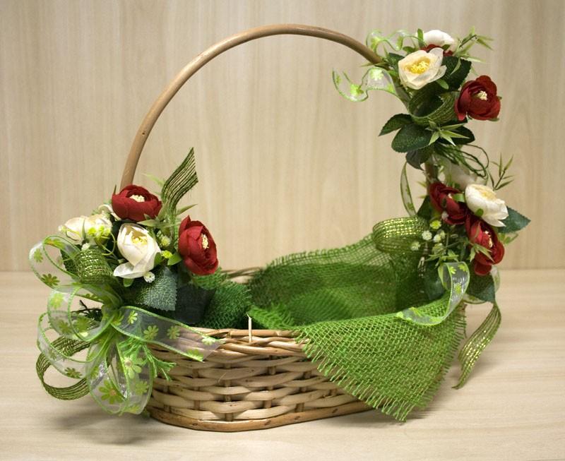 cesta decorada com flores