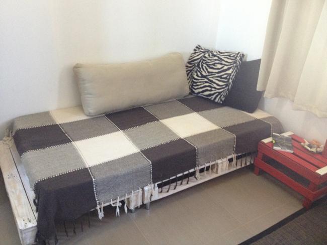 sofá de pallet facil e barato