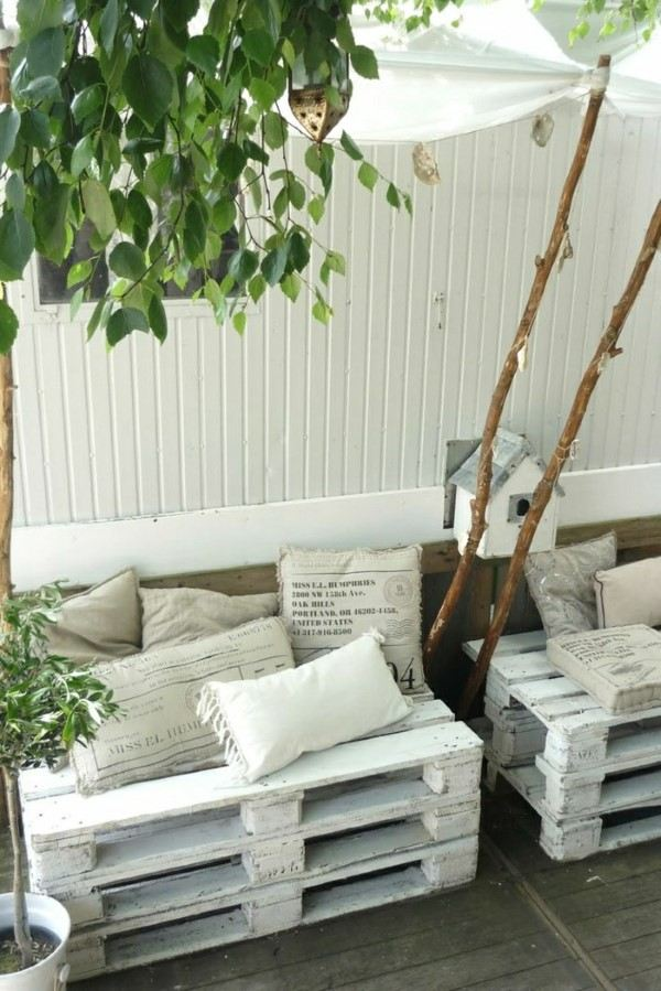 sofa de pallet branco