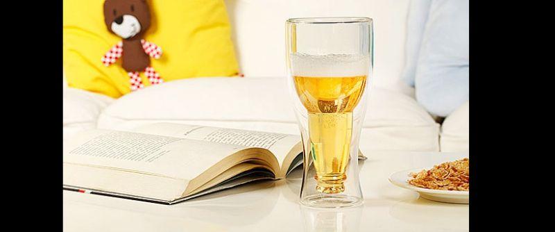 copo de garrafa invertida