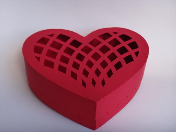 caixinha de coração vazada