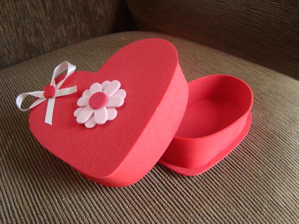 caixinha de coração com flor
