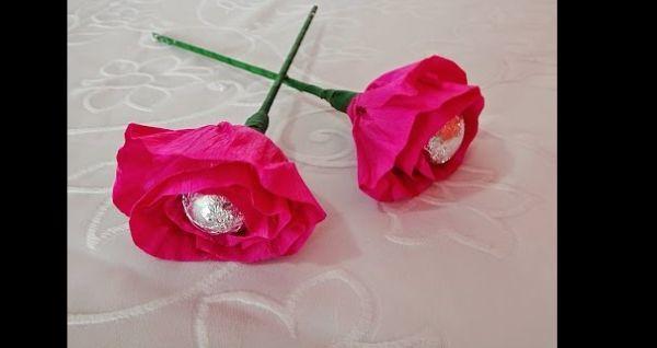 flor de crepom com caule