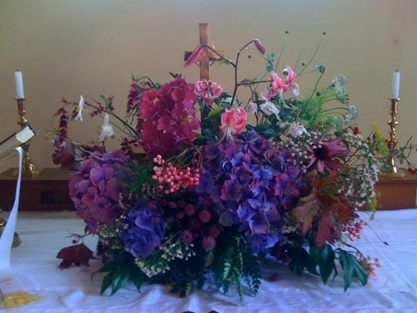 arranjo com flores cheias