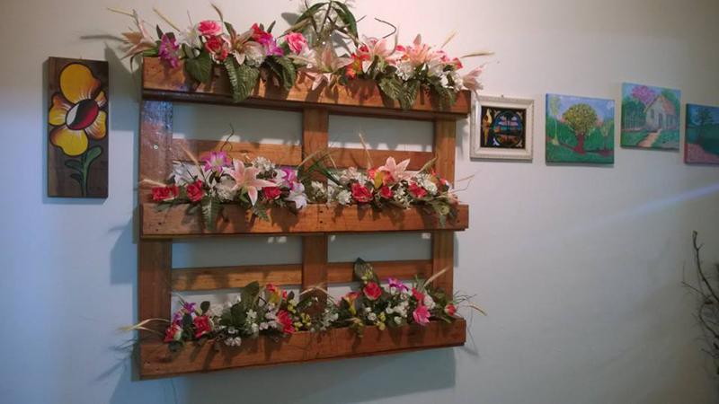 painel de pallet flores