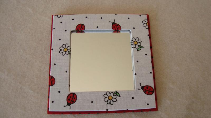 espelho decorado com papel