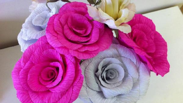 flor de crepom rosas chiques