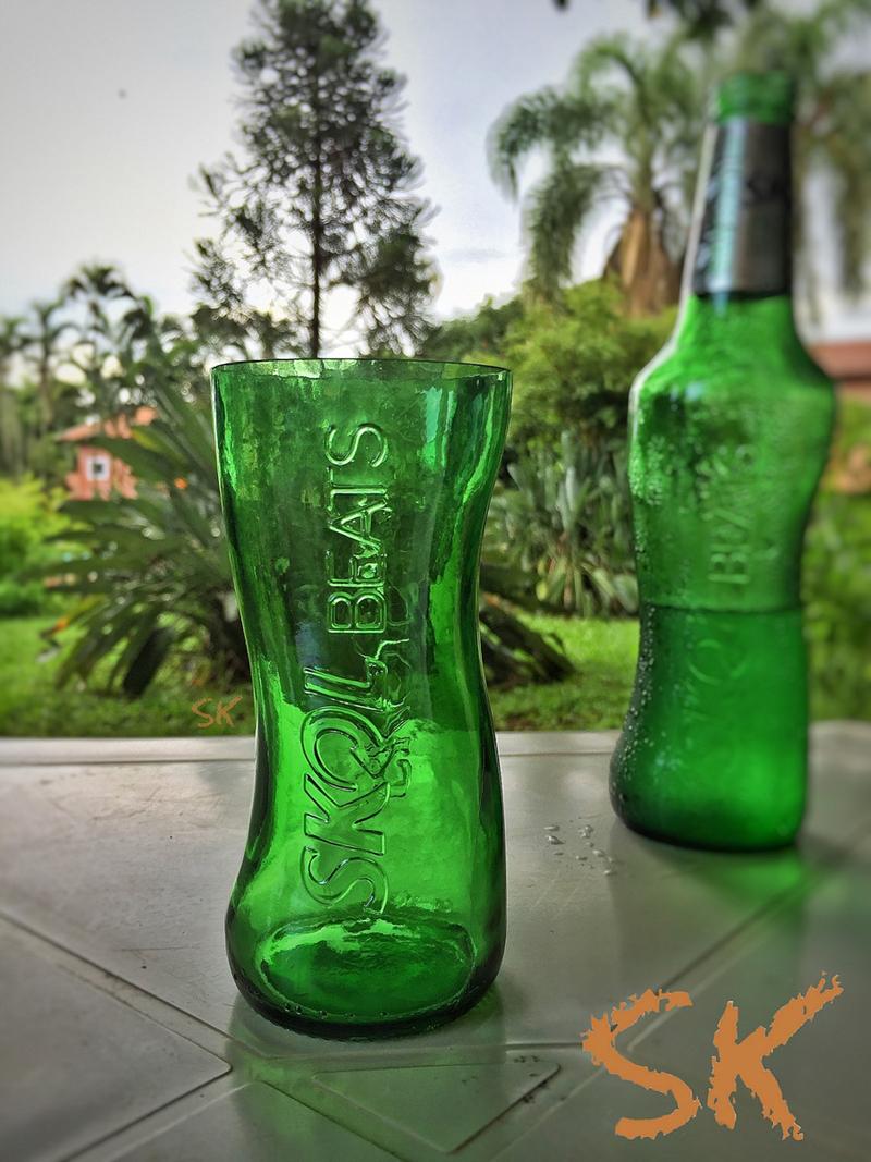 copo de garrafa verde