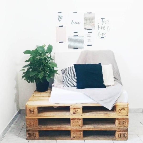 sofa de pallet estofado