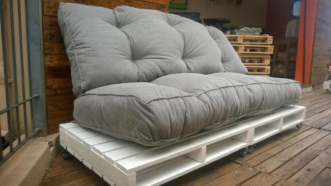 sofá de pallet baixinho