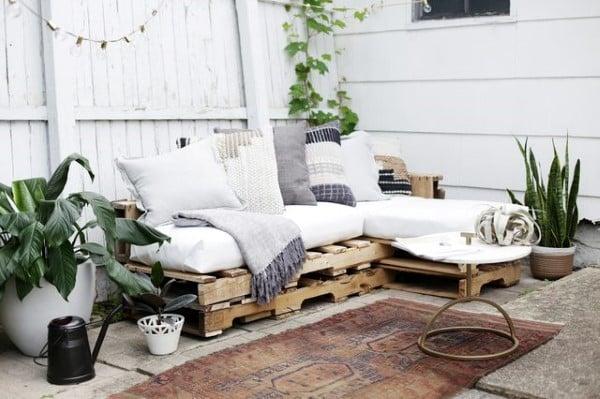 sofa de palete branco