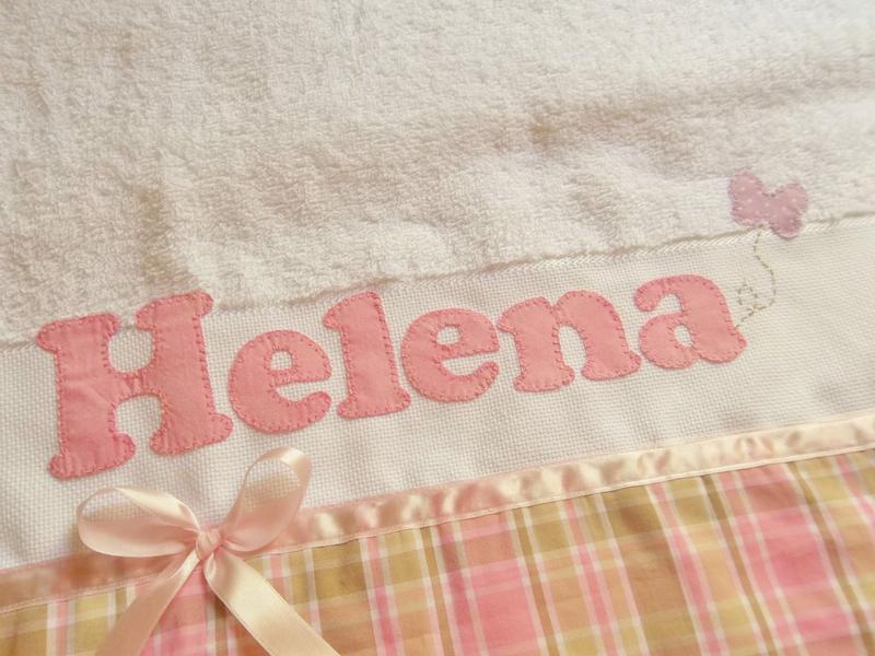 toalha bordada tecido