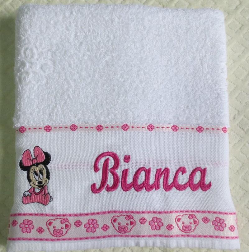 toalha bordada minnie