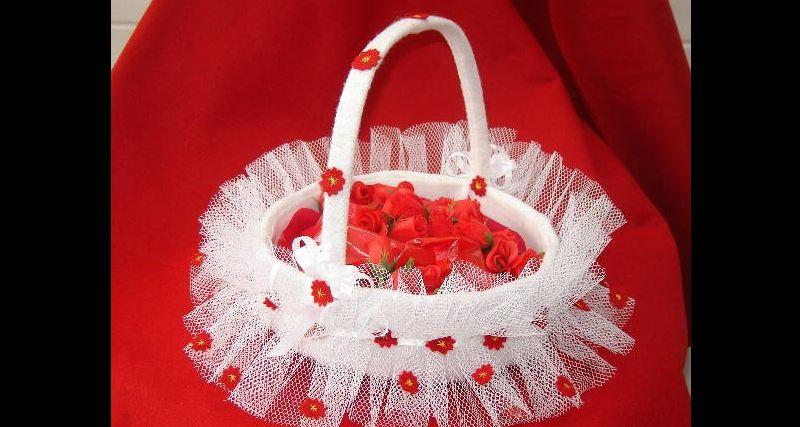 cesta decorada namorados