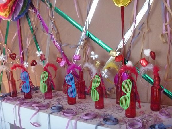 garrafa para o carnaval colorida