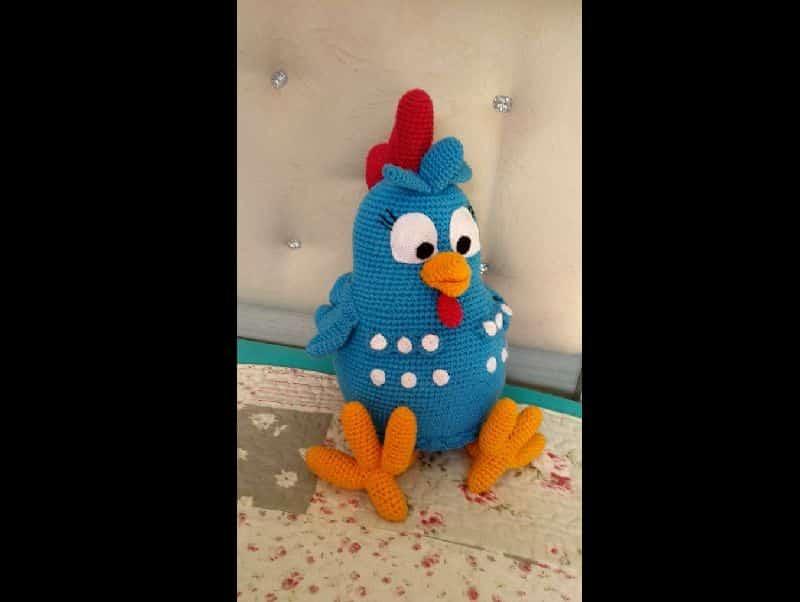 bichinho de crochê galinha pintadinha