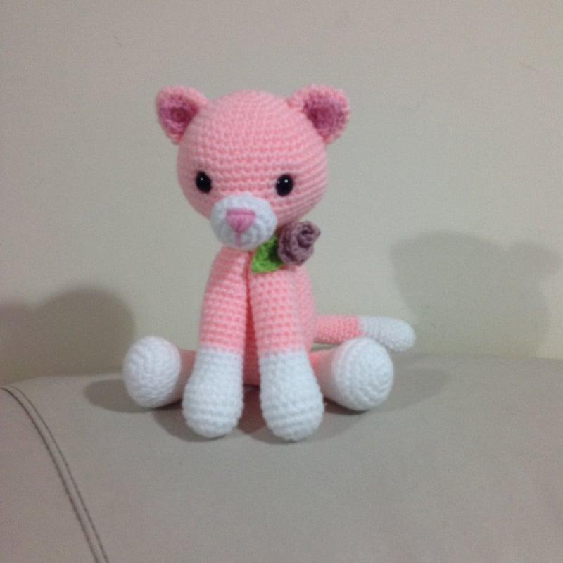 bichinho de crochê gata rosa