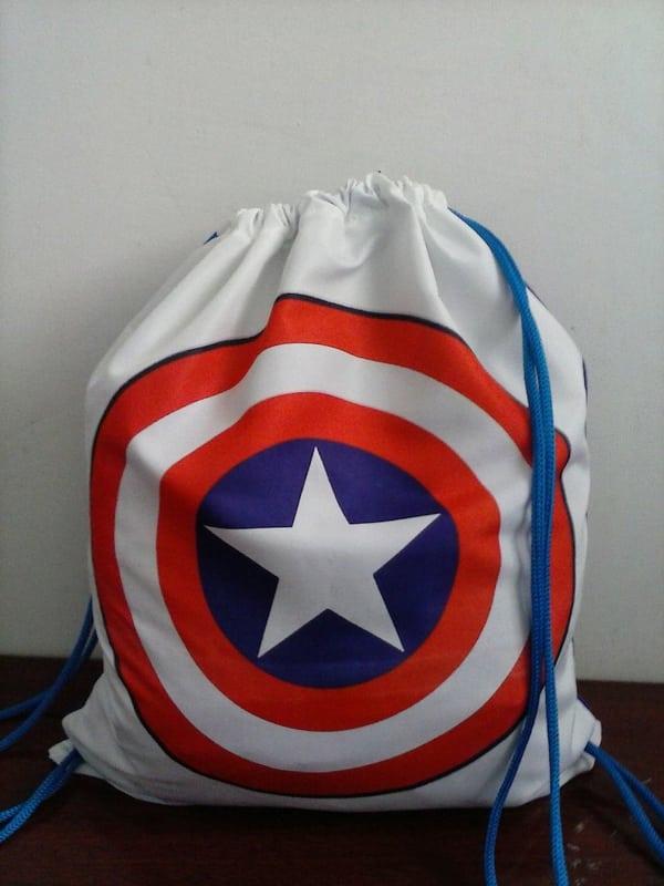 mochila tipo saco de heroi